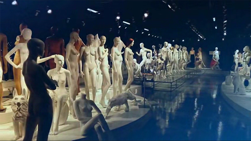 ArtWing Mannequin Exhibition Hall Overview