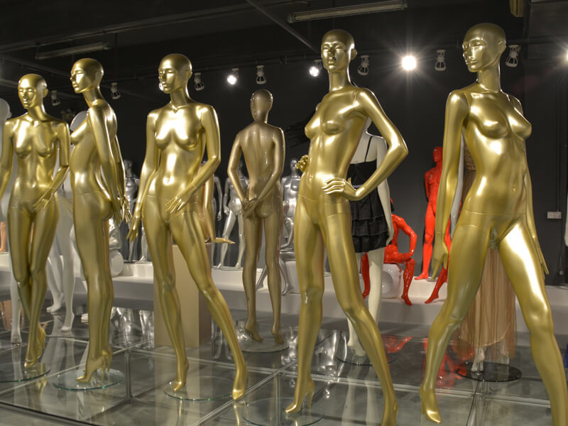 Gold female mannequin