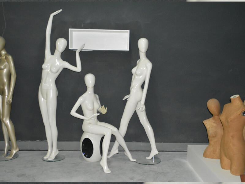 Dance female mannequin