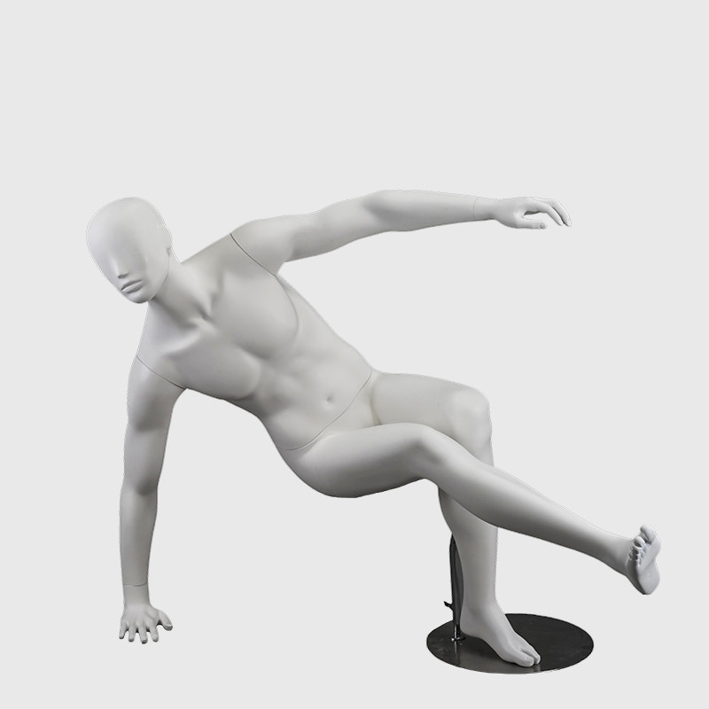 Realsitc mannequin muscular football mannequin male